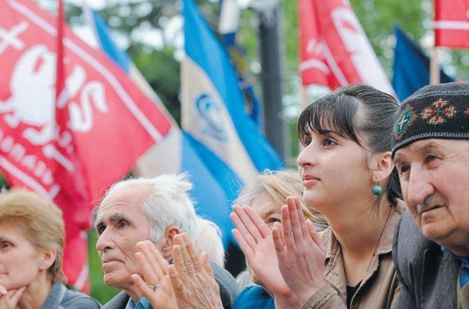 Mėnesį nesiliaujantys protestai stiprina būgštavimus dėl nestabilumo Gruzijoje.