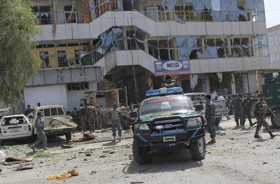 Afganistano pietuose susiprogdindamas mirtininkas nusinešė šešias gyvybes.