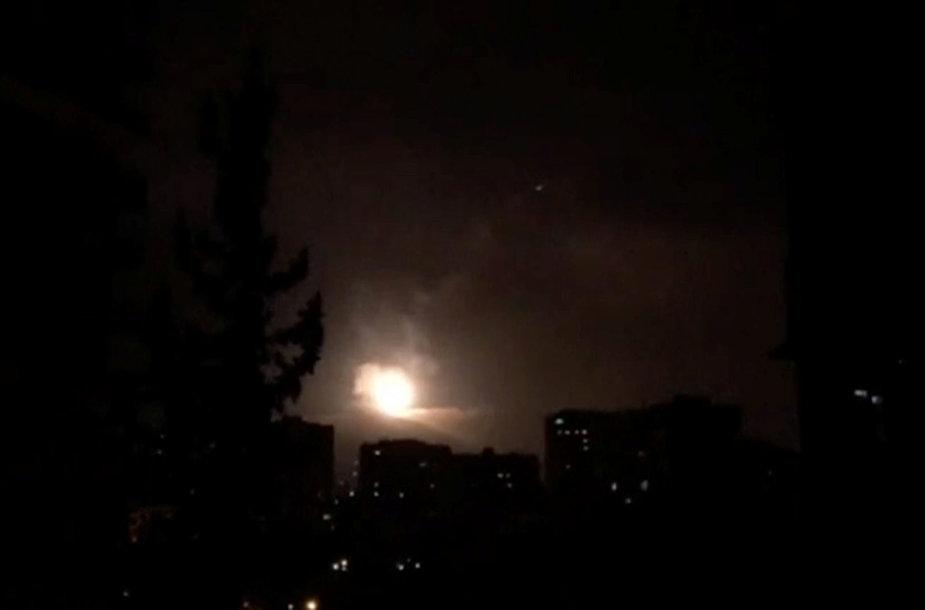 JAV smogė taikiniams Sirijoje