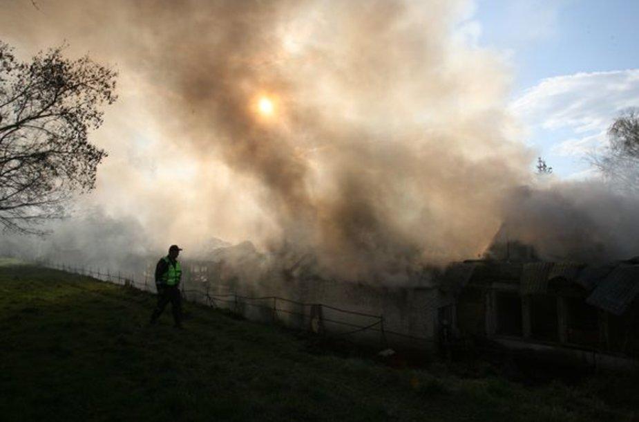 Ketvirtadienį 17.22 val. sostinės ugniagesiai gavo pranešimą apie gaisrąSavanorių prospekte.