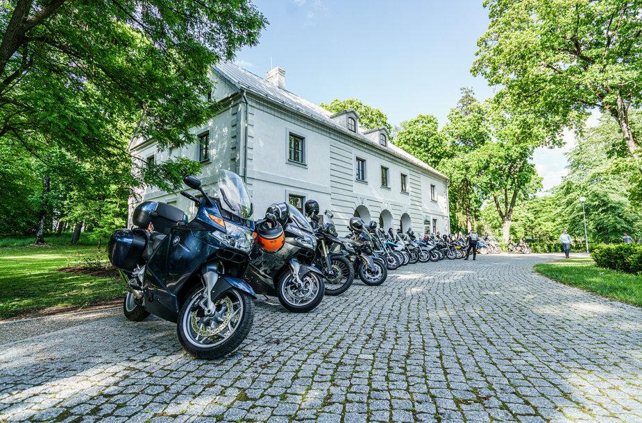 Lietuvos BMW motociklininkai atidarė pirmąjį sezoną