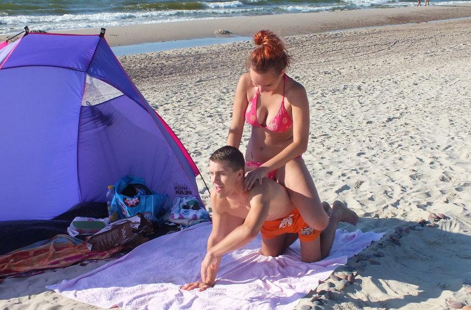 Paplūdimio kaubojai Vaidas ir Raminta (bikini porelė)