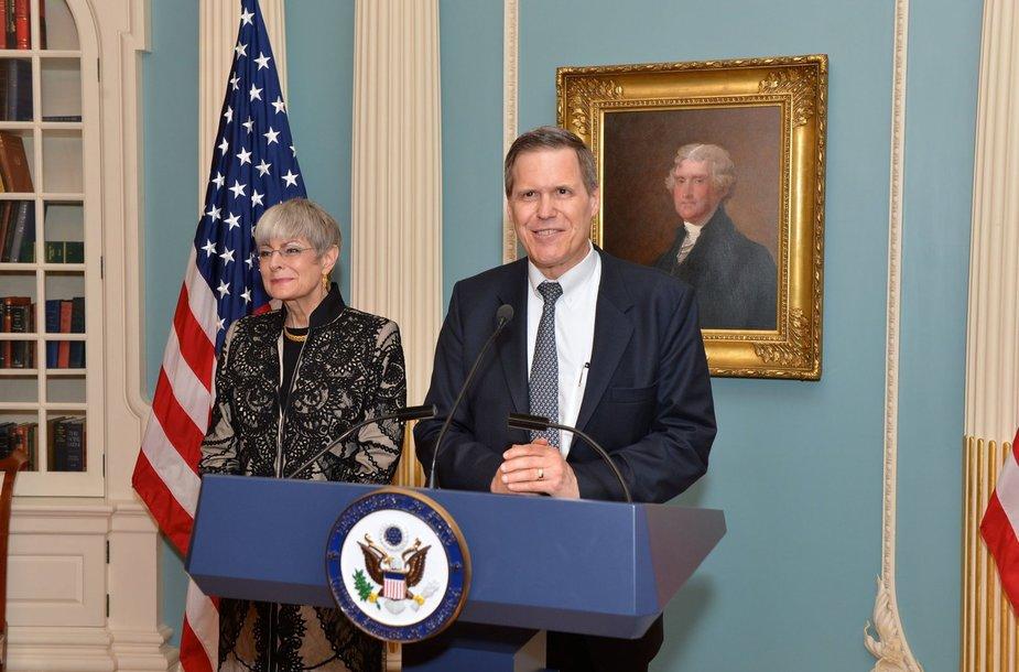 JAV ambasadorius Matthew Tuelleris su žmona DeNeece