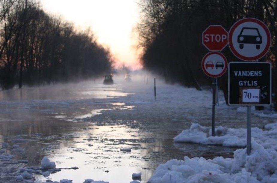 Potvynis ties Rusne