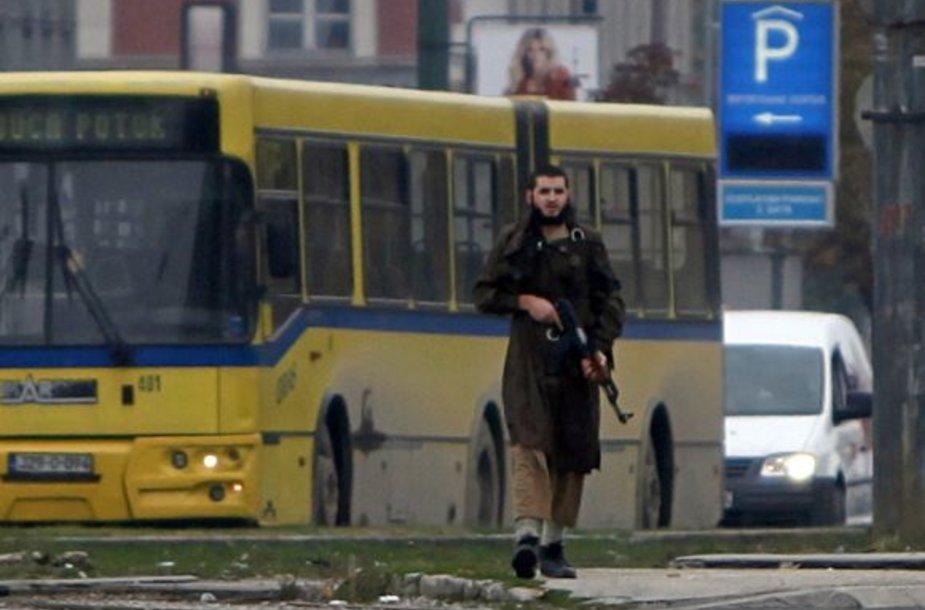 Sarajeve islamistas apšaudė JAV ambasadą ir buvo nukautas