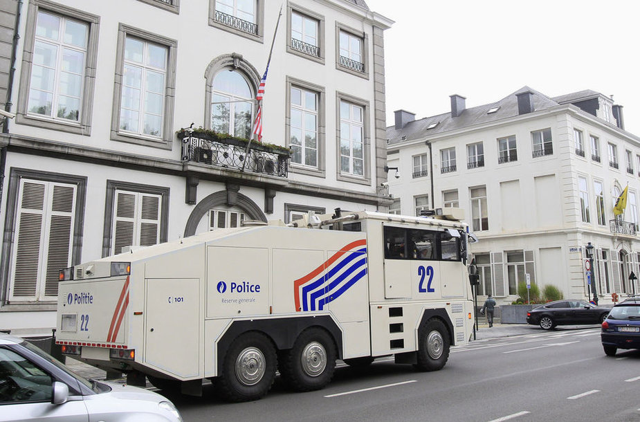 Belgijos policija sustiprino ir JAV ambasados Briuselyje apsaugą.