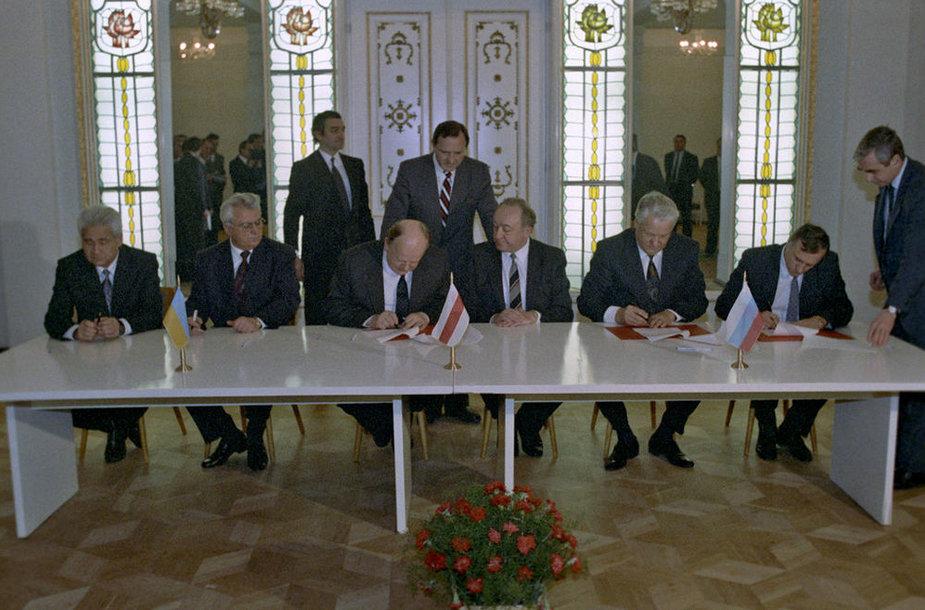 Belovežo sutarties pasirašymas