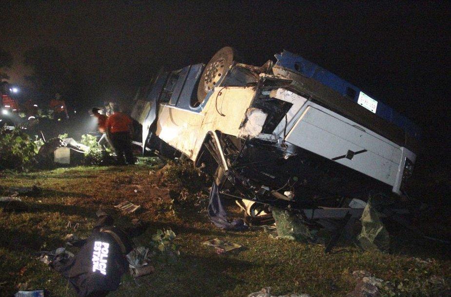 Autobuso avarija Meksikoje