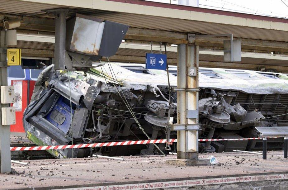 Traukinio avarija Paryžiaus priemiestyje