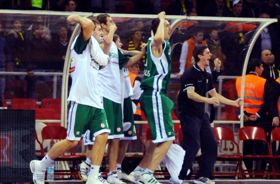 """Lemiamose rungtynėse """"Žalgiris"""" išplėšė pergalę ir pateko į Eurolygos """"Top–16""""."""
