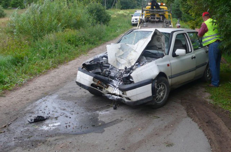 Per avariją Ukmergės rajone sužeisti du vyrai