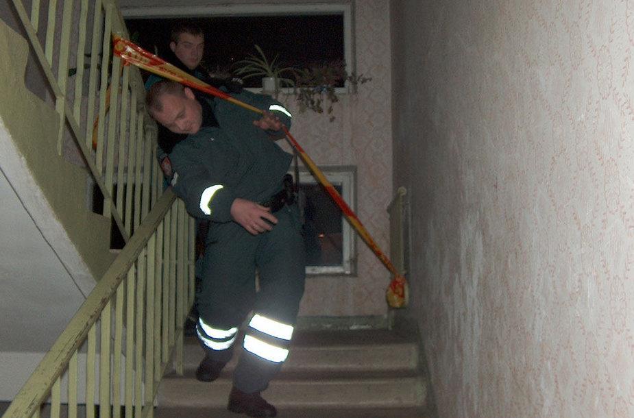 2004 m. gruodžio 1 d. Žirmūnuose įvyko tragedija (archyvo nuotrauka iš įvykio vietos)