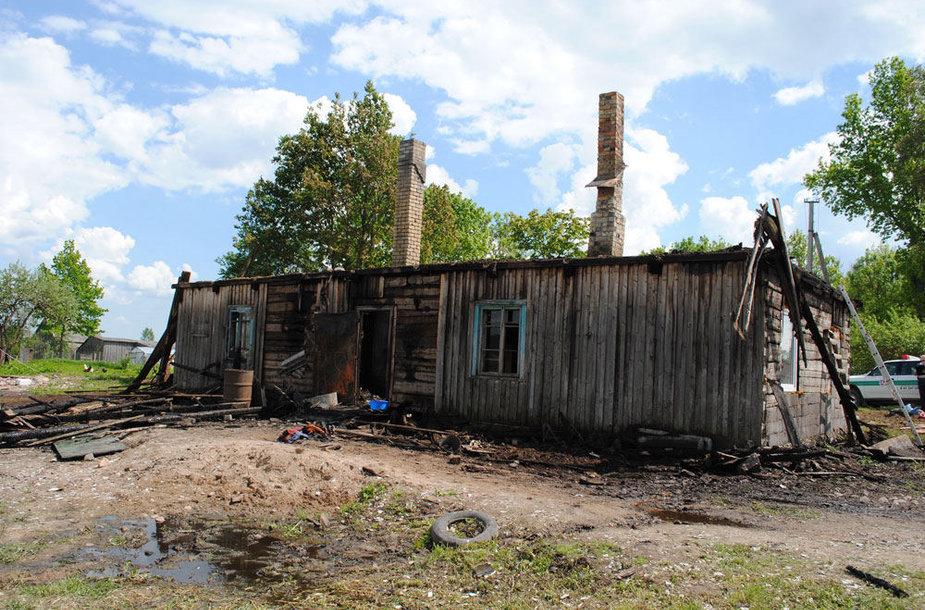 Padegtas namas po gaisro