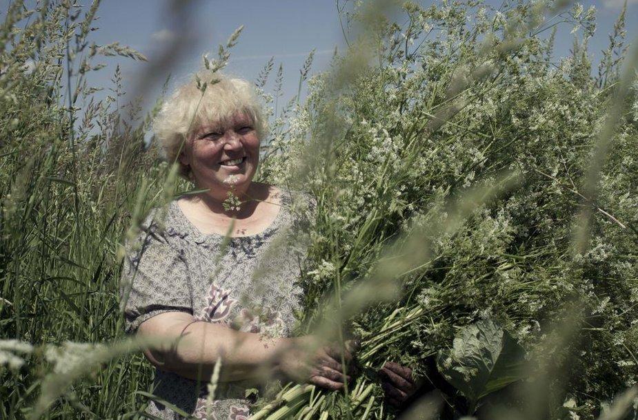 """Adelė Karaliūnaitė filme """"Žalumose"""""""