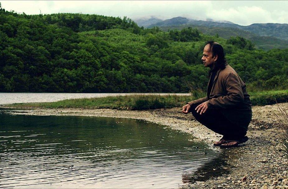 """Krisho Shrikumaro filmas """"Home"""""""