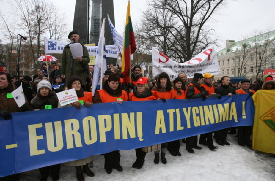 Didžiausią susirūpinimą lietuviams dabar kelia ekonominė padėtis.