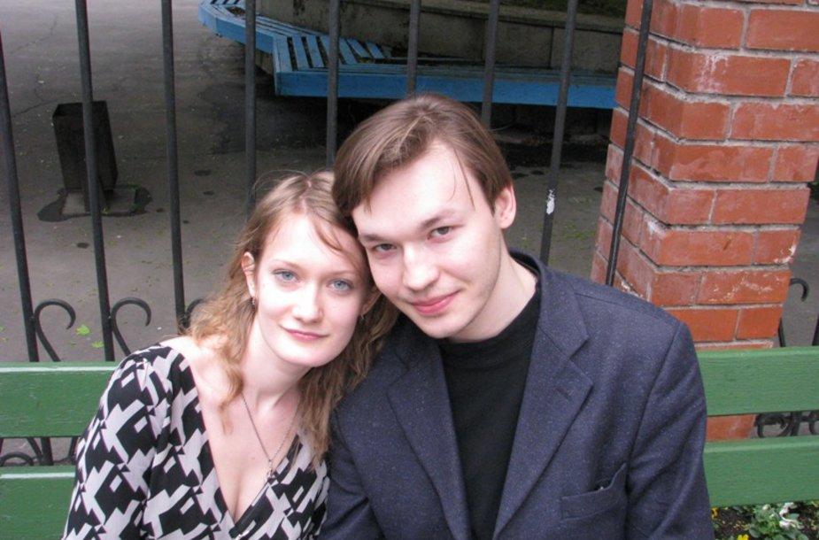 Denisas Grockij ir mylimoji Irina