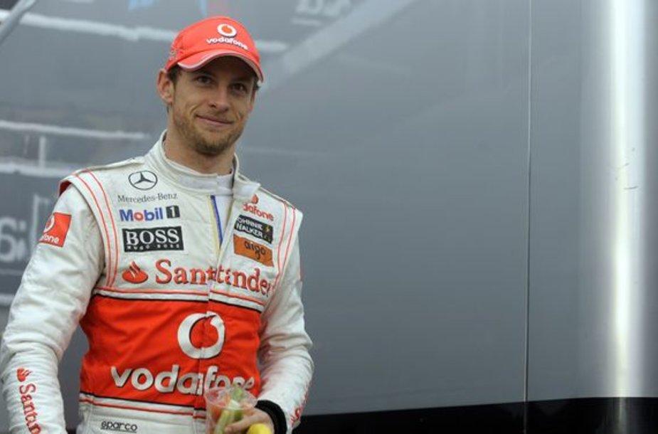 J.Buttonas mano, kad M.Schumacheris Bahreine bus greitas