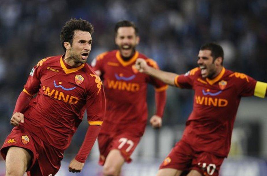 """Roma"" futbolininkai džiaugiasi pergale"
