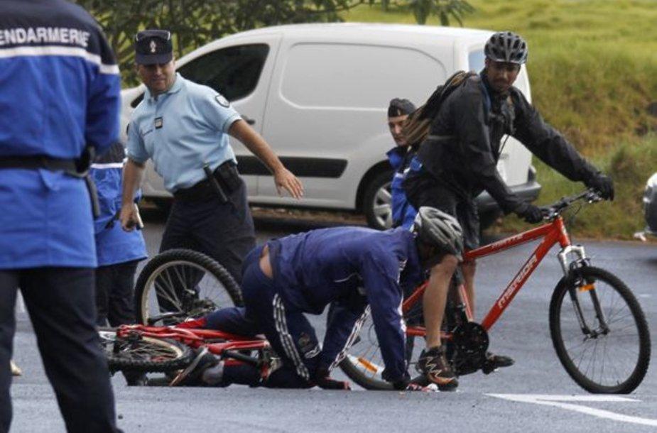 N.Anelka griuvo su dviračiu