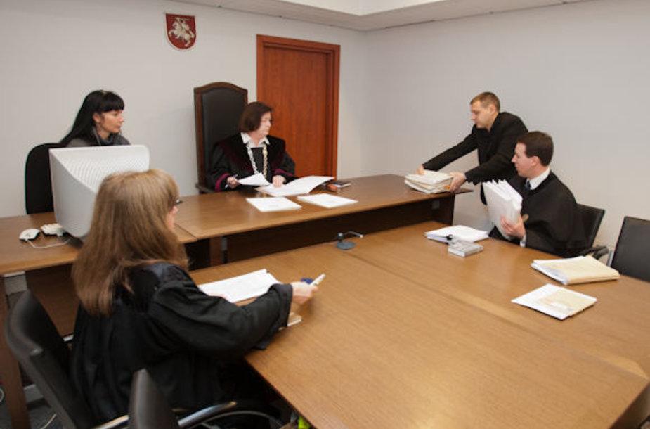 Teismas dėl I.Achremovo lygtinio paleidimo