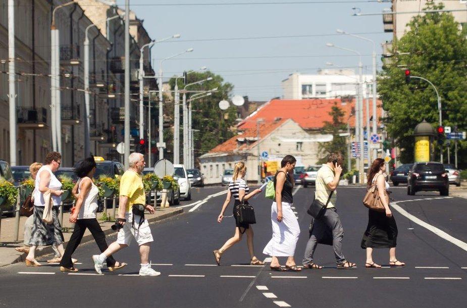 Karštas penktadienis Vilniaus gatvėse