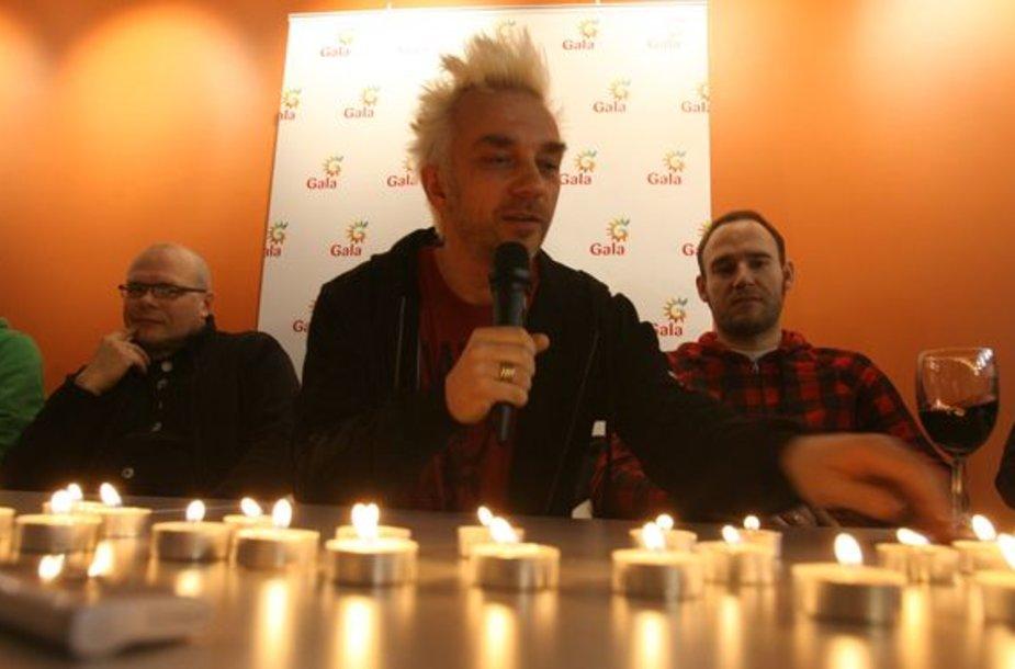 Koncerto įrašą ir grupės narių kelionės po JAV akimirkas pristatė Andrius Mamontovas su grupe.