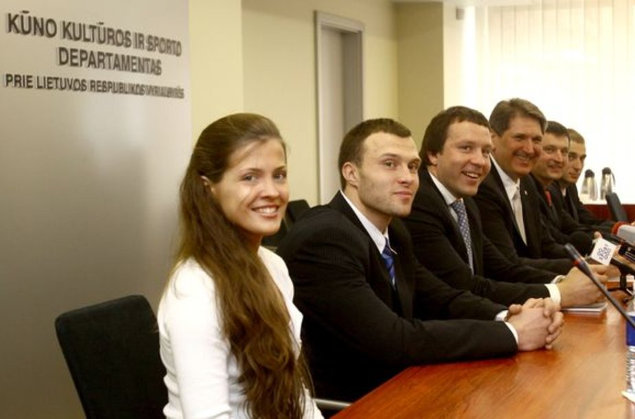 Spaudos konferencijoje: R.Pivoriūnaitė, D.Gudauskas, D.Imbras, R.Vitkauskas, P.Klapatauskas ir D.Aleksandrovas