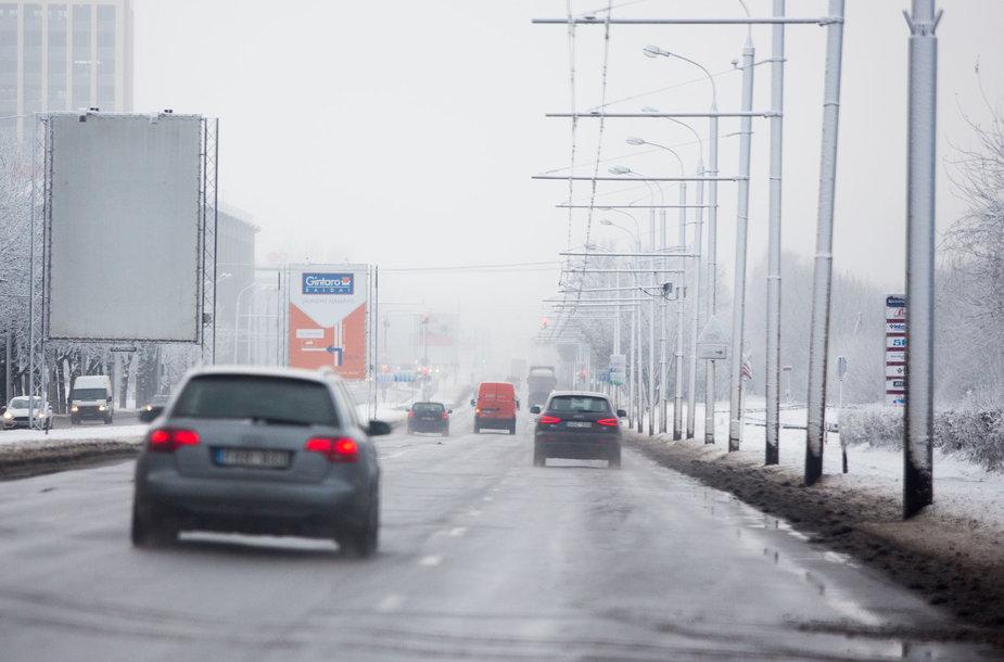 Sniego išbalintas Vilnius iš paukščio skrydžio