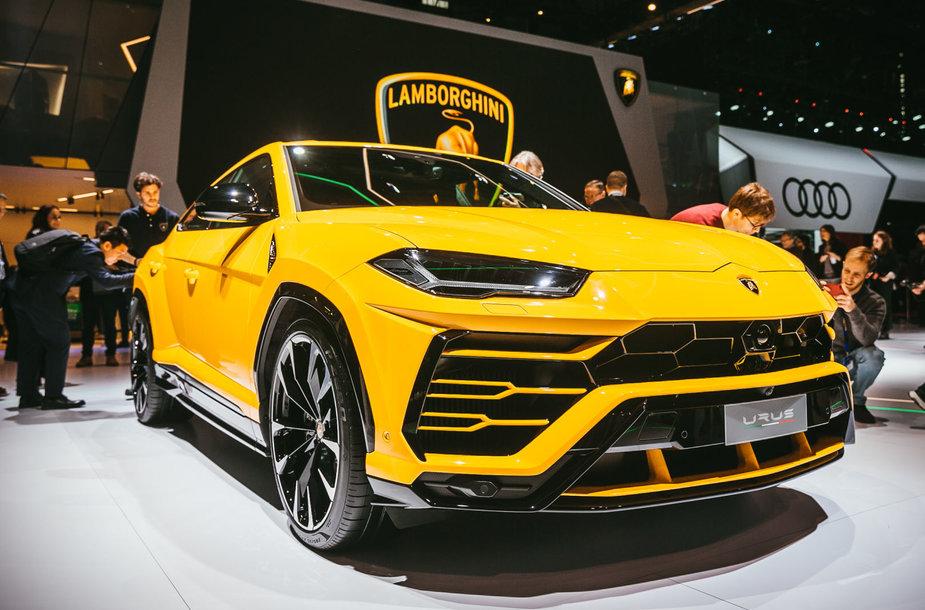 """Ženevos parodoje - """"Lamborghini Urus"""": pirmasis sportinių automobilių gamintojo visureigis"""