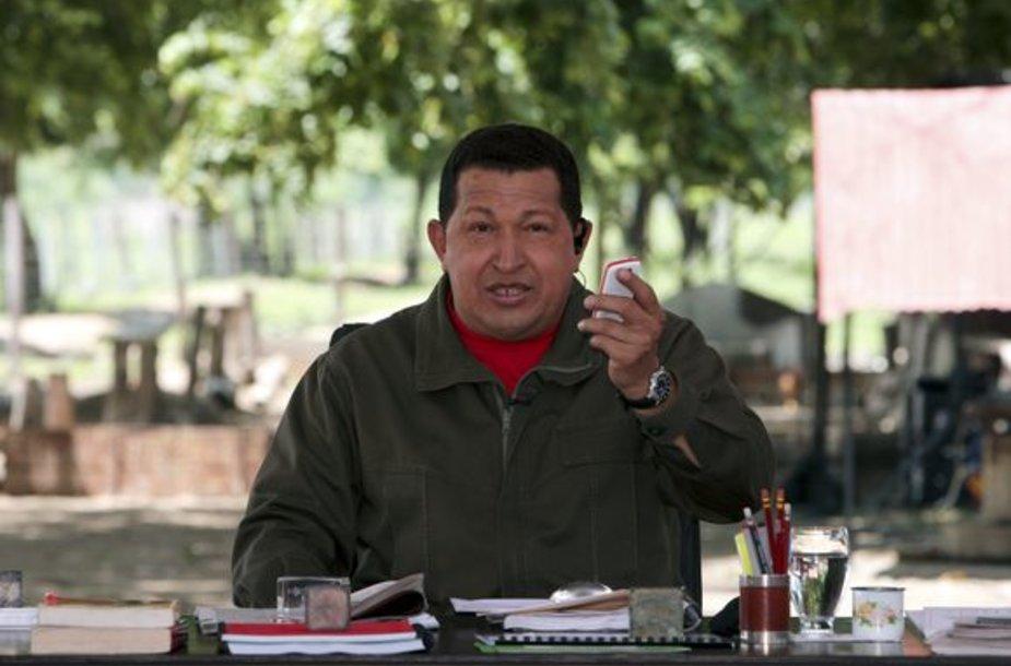 H.Chavezas per naujųjų mobiliųjų pristatymą