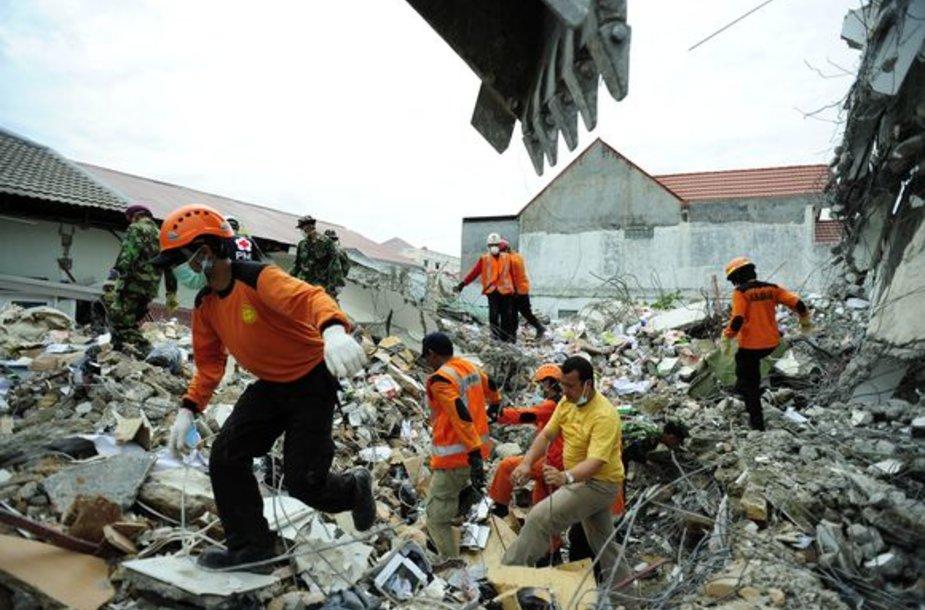 Indoneziją sukrėtė dar vienas žemės drebėjimas