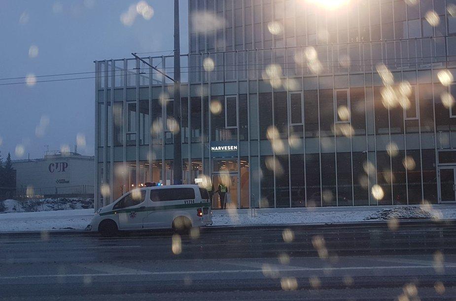 """Policija Konstitucijos prospekte, prie """"Narvesen"""" parduotuvės"""