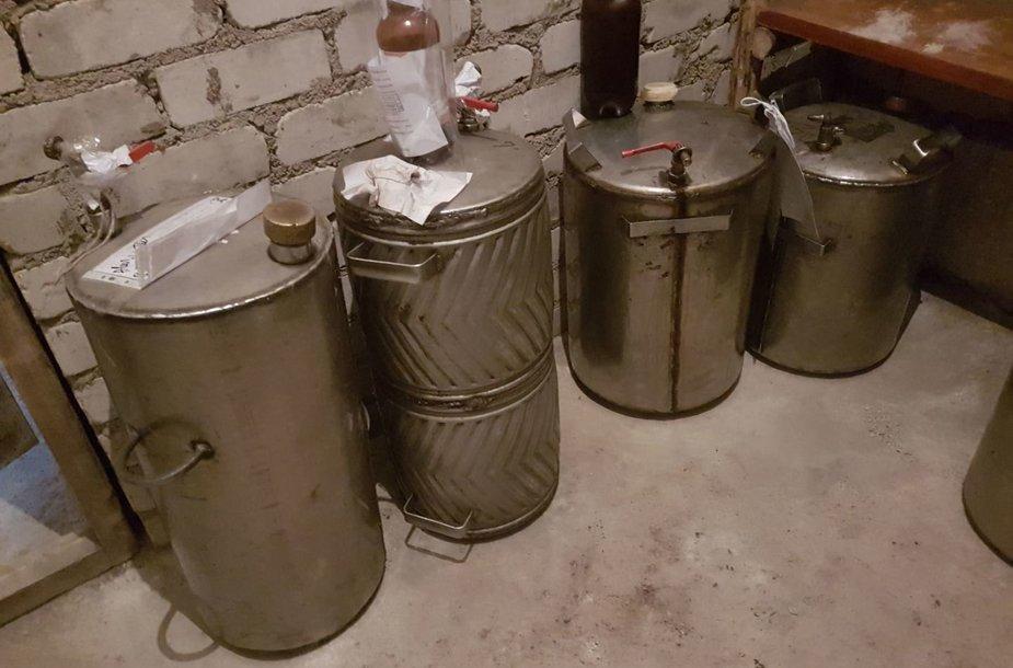 Konfiskuotas naminis alus