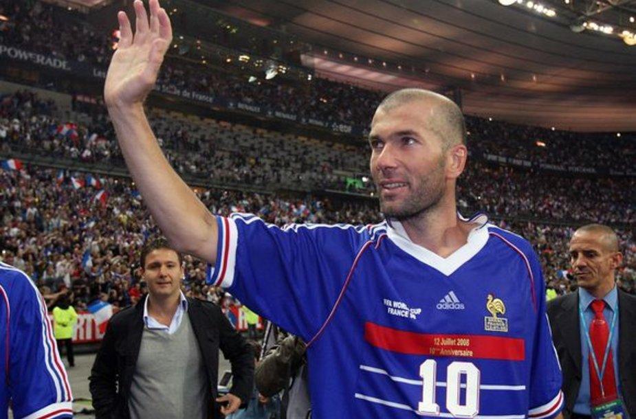 Neeiliniais sugebėjimais Z.Zidane'as stebina ne tik futbolo aikštelėje