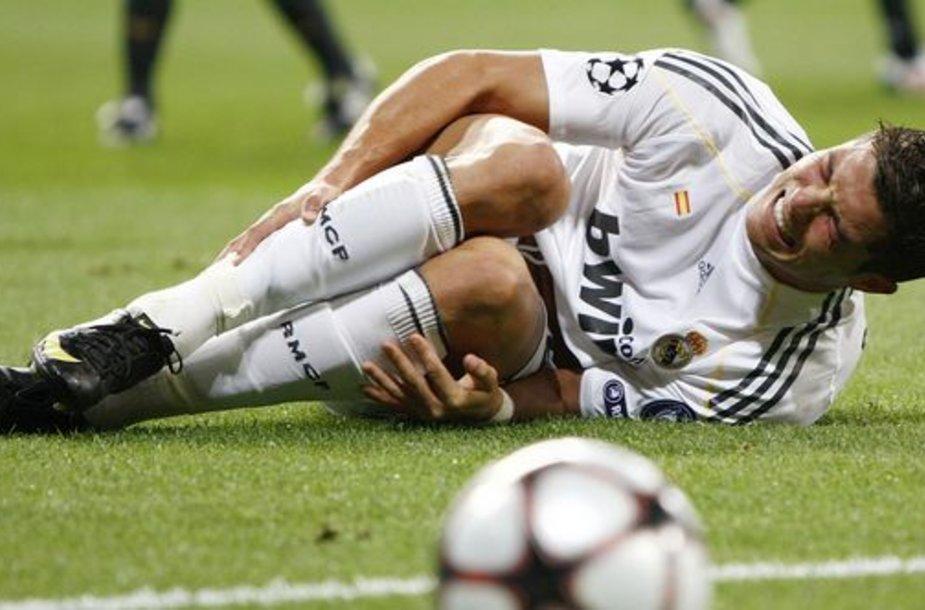 """C.Ronaldo pastaruoju metu demonstravo pavydėtiną rezultatyvumą – per pirmąsias 7 rungtynes vilkint """"Real"""" marškinėliais jis pelnė net 9 įvarčius"""