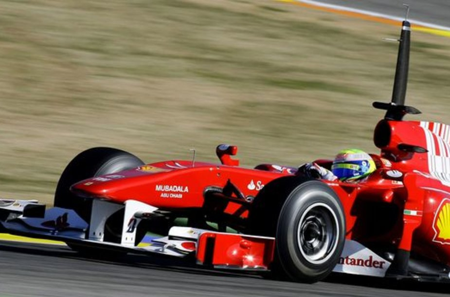 F.Massa pirmadienį Valensijos trasoje buvo greičiausias ir rytinėje, ir popietinėje sesijose