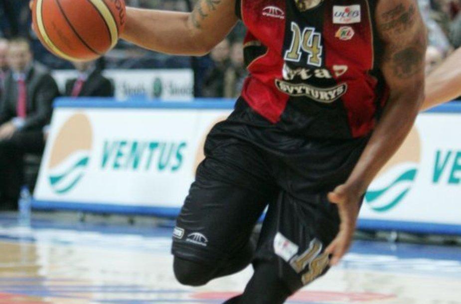 """A.Emmettas """"Lietuvos ryto"""" aprangą vilkėjo dalį 2006-2007 metų sezono"""