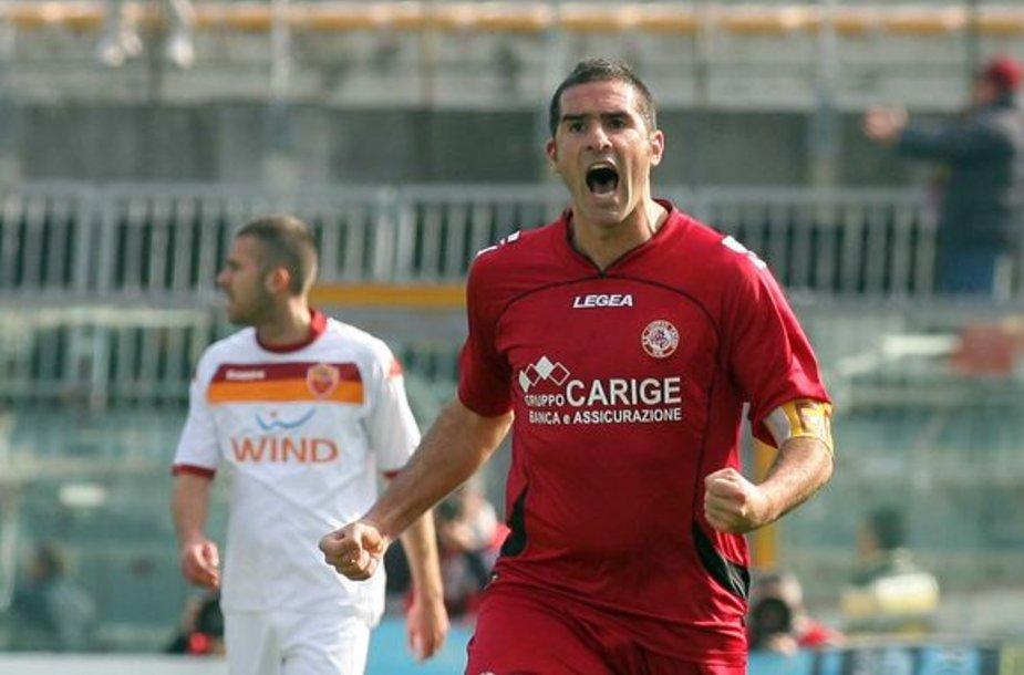 """""""Livorno"""" didvyriu tapo tris įvarčius pelnęs komandos kapitonas C.Lucarelli"""