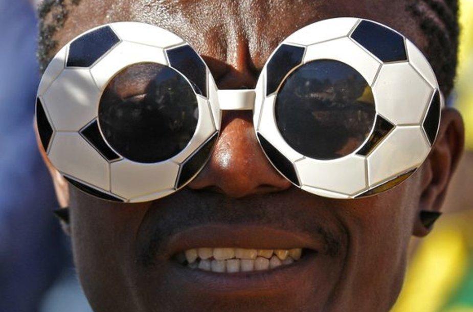 Šešerius metus dėl mėnesį truksiančios futbolo šventės triūsę turnyro organizatoriai žada, jog reginys amžiams liks sirgalių prisiminimuose