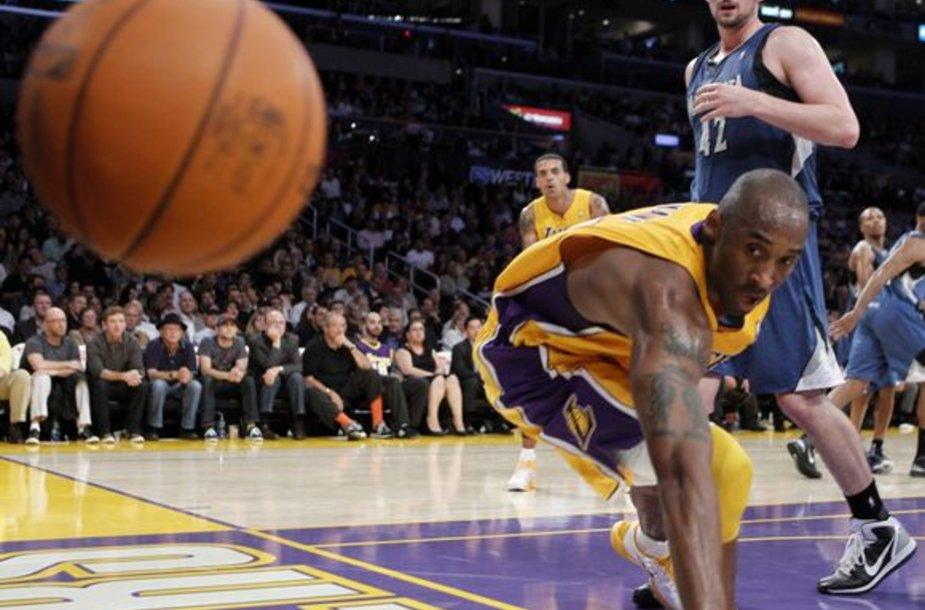 """""""Lakers"""" šventė antrą pergalę iš eilės"""