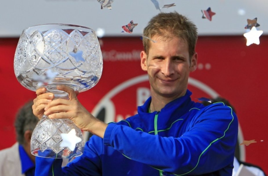 Florianas Mayeris džiaugiasi pirmuoju ATP titulu.
