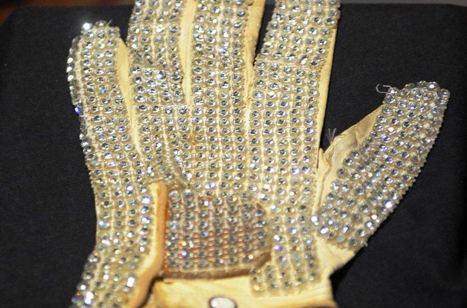 Parduota Michaelo Jacksono pirštinė