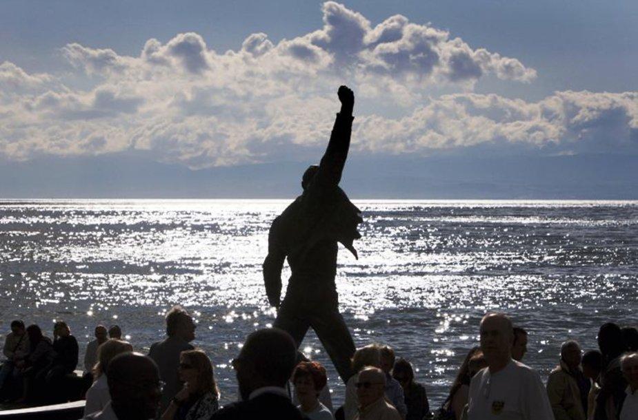 Freddie Mercury statula Šveicarijos Montrė mieste prie Ženevos ežero.