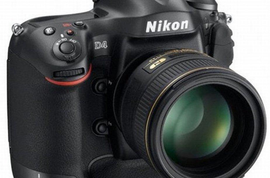 """Skaitmeninis veidrodinis fotoaparatas """"Nikon D4""""."""