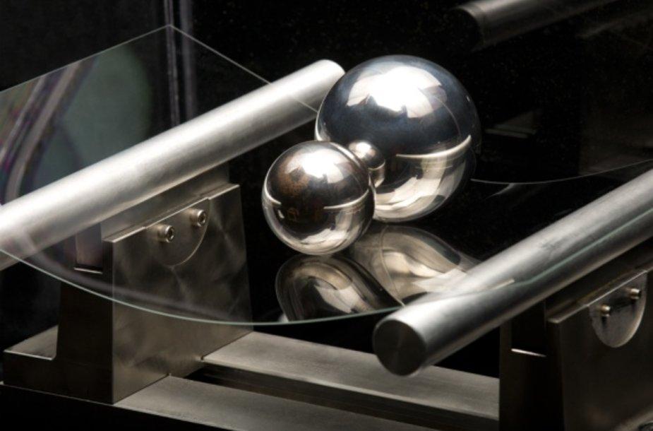 """""""Gorilla Glass 2"""" stiklas užtikrins ne tik atsparumą įbrėžimams, bet pasižymės ir didesniu lankstumu."""