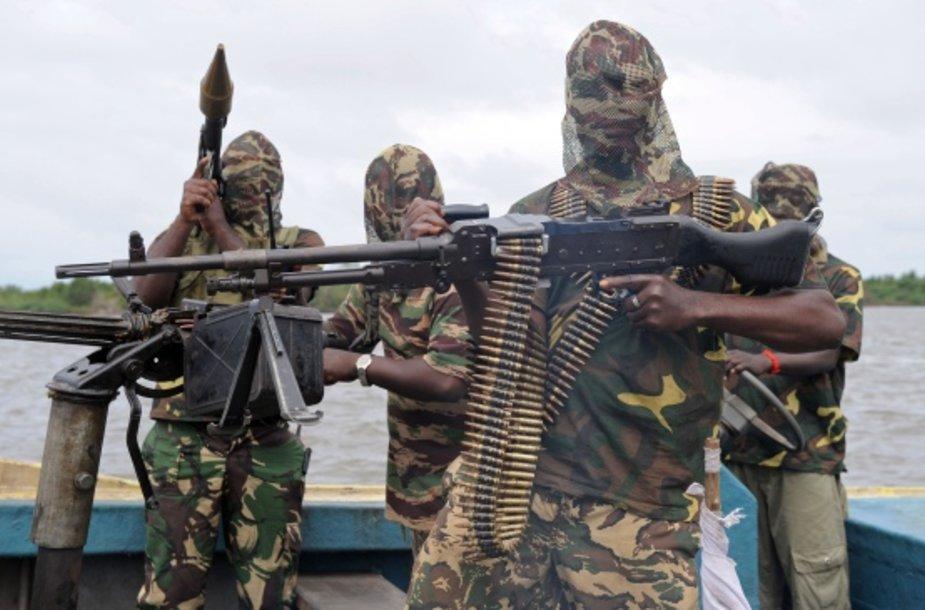 Judėjimo už Nigerio deltos išlaisvinimą (MEND) kovotojai.