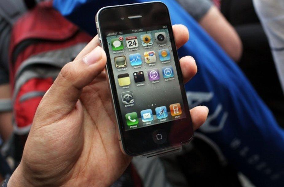 """""""Apple"""" išmanusis telefonas """"iPhone 4""""."""