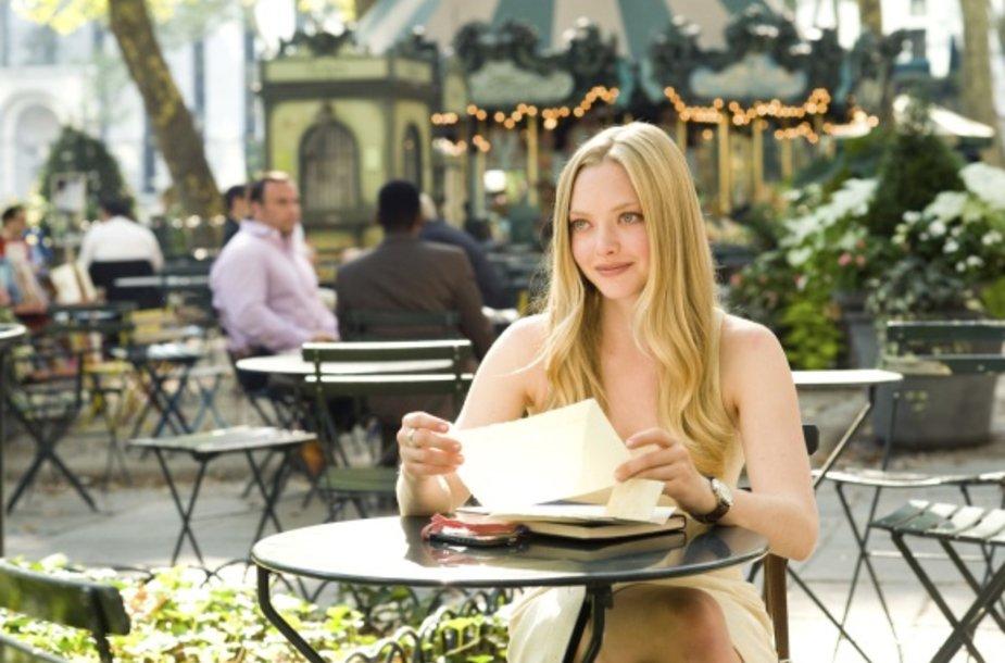 """Filmo """"Laiškai Džiuljetai"""" pagrindinės herojės vaidmenyje - Amanda Seyfried"""