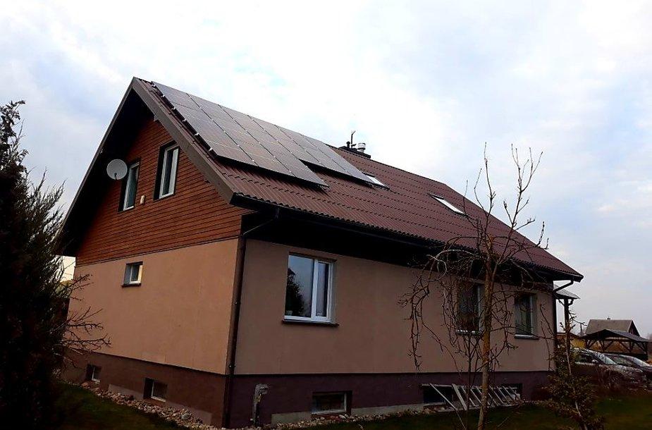 Molainių kaime gyvenanti šeima įsirengė saulės elektrinę